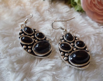 Statement Neclaces vintage ethnic earrings silver/black