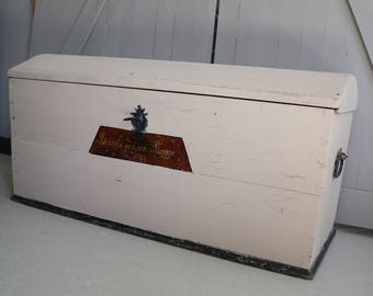 wooden chest from 1898