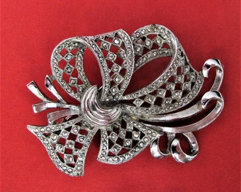 Marvellous Vintage Marcasite Looped Brooch