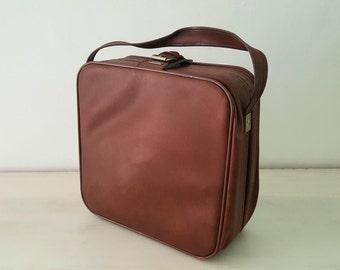 Suitcase of travel Brown vintage / vintage brown weekend suitcase