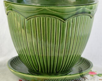 Green McCoy flower pot, McCoy planter