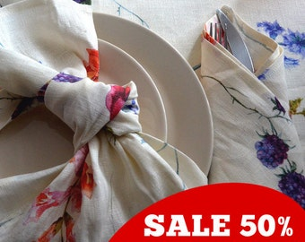 SALE 50% OFF!!! Natural Linen Floral Vintage Napkins - Set of 4 - with Wildflowers and Berries