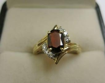garnet ring with diamonds yellow gold 14k