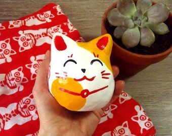 Ikebukuro Maneki Neko - Lucky cat - Painted and varnished argile sculpture