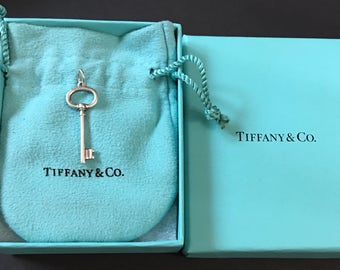 Sold sold Authentic Tiffany & Co. Overl Key Pendant