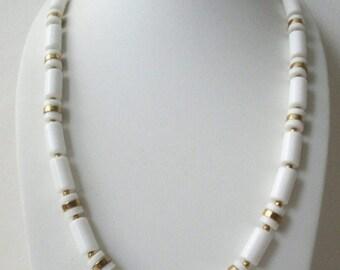 ON SALE Retro Crisp White Gold Tone Metal Plastic Long Necklace 31617