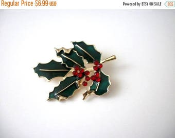 ON SALE Vintage Metal Enameled Misletoe Pin 41517