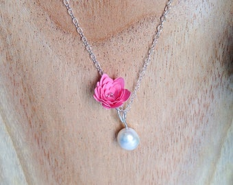 Pink paper flower and freshwater pearl pendant in sterling silver (925)
