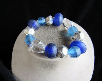 Vintage Chunky Silvertone Clear & Shades Of Blue Glass Beaded Necklace