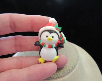 Vintage Christmas Signed Russ Penguin Pin