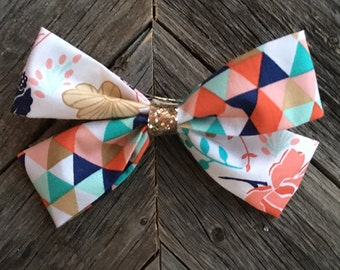 Two tone bow