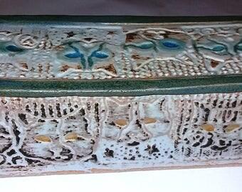 Cat faced decorated ceramic box