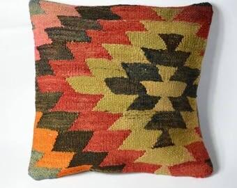 Cushion kilim navajo red, beige and black