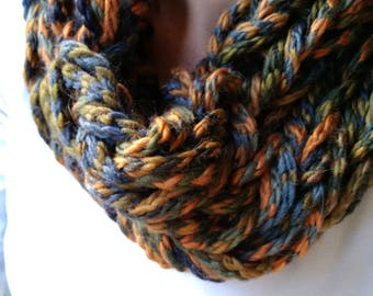 Chunky knit neck loop scarf