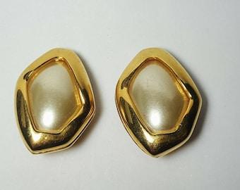 KJL Earrings Kenneth J Lane Signed Faux Pearl Gold Tone Vintage On Clip Earrings/Bridal Wedding Dressy