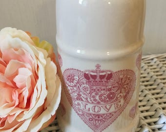 Ceramic Icing Sugar Shaker with Pink Heart & Love Motif