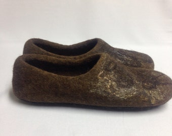 Mens felted wool house slippers, mens home shoes, organic wool slippers