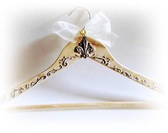 Personalized Bridal Hanger Wedding Hanger Antique Hanger Rustic Bride Hanger Wedding Name Hanger Dress Hanger Bridal shower Gift Bridesmaid