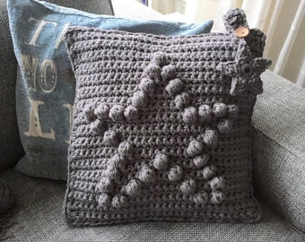 Cushion cover handgehaakt and-knitted with heart or star in bubble