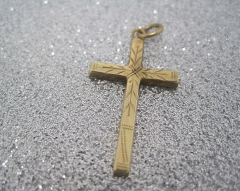 Vintage engraved gold cross pendant