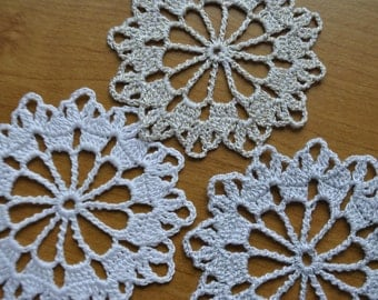 Crochet Christmas Snowflakes / white gold silver / 3.3 inches (8.5 cm) Pattern Nr.3