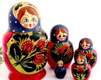 Vintage Russian Dolls - Wooden Stacking Dolls - Babushka Dolls -  Matryoshka Dolls - Set of 5