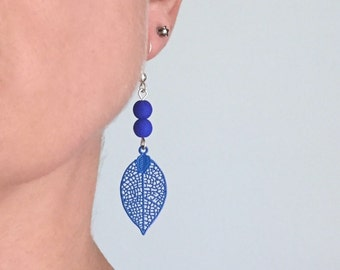 Earrings blue and silver leaf small pendant