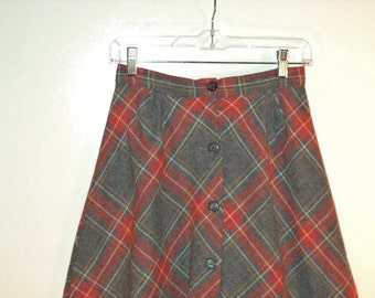 70s plaid skirt// A-line button front mid length wool// Vintage Byer California// Women's size small 3 4 5 6 USA