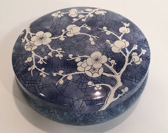 Vintage Cherry Blossom Tin Daher Decorated Ware England
