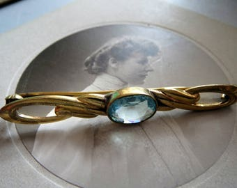 Brooch, vintage, stick brooch-gold-double stamped-with light blue stone-color: blue-aquamarine-grandma's old jewelry, Vinatgeschmuck