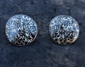 Button earrings of blackened engraved sterling. Vintage screw back lovelies
