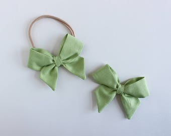 "Honeydew Fabric ""Dahlia"" Bow"