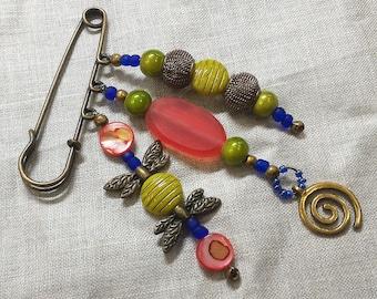 Kilt pin brooch charm beaded shawl pin scarf pin spiral wings