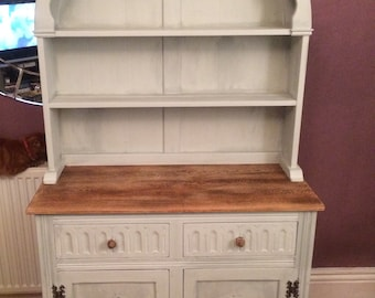 Painted oak vintage dresser