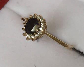 Stunning antique 9ct gold Sapphire & Diamond ring - 1985