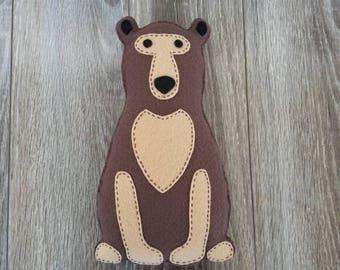 Bear plushie, bear stuffed animal, grizzly bear.