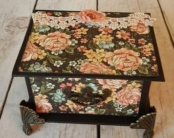 Vintage Floral Trinket Box