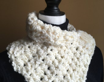 Cream scarf,Buttoned Neck Warmer,  Ivory Cowl, Scarf with a Button, Cream Neck Warmer