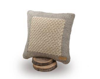 Knitted cushion, Merino wool cushion, Wool knit pillow, Knitted pillow, Wool cushion, White pillow, Roving yarn, Square cushion, Knit pillow
