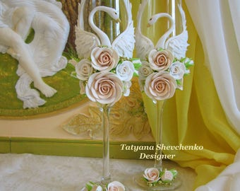 """Personalized wedding glasses """"Swans""""  Wedding glasses  Gold  and Beige Wedding Gold swans"""