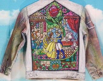 Veste jean Kid bleu clair, veste en jean Motif Belle et la Bête peint main Taille 8 ans