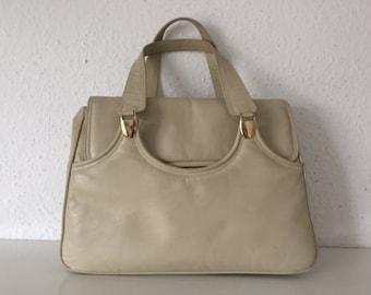 SALE: calvleatherhandbag, vintage, BEST Condition, pearlwhite