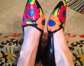 1980s Fun and Colorful Floral Flats 7.5