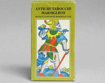 aquarian tarot instruction book