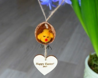 Easter chicken decoration, Personalised hanging Easter decoration, Chicken in a walnut shell swing, Needle felted chicken ornament / gift