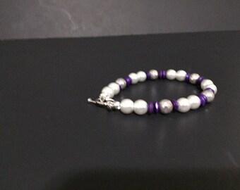Simple yet elegant pearl bracelet