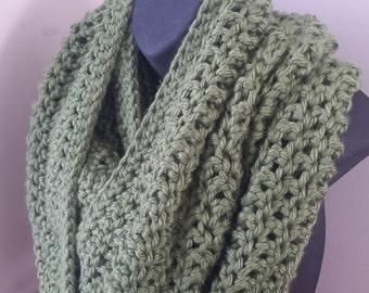 Oversize Infinity Scarf, Chunky Crochet Scarf, Crochet Infinity Scarf, Cowl Chunky Circle Scarf