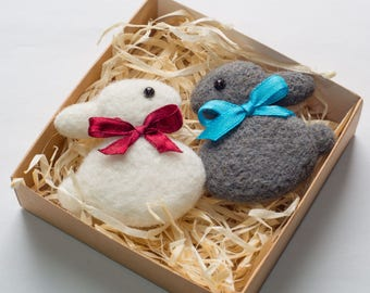 Set of 2 Needle felted brooches White and Gray  Bunnies Kids Badges Animal Brooch Felt Rabbits