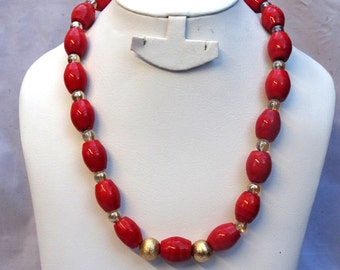 Coral Beads with Gold balls Necklace Jewellery