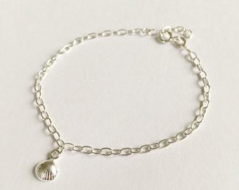 Sterling Silver Shell Charm Bracelet,silver bracelet, special gift,charm bracelet,silver shell,shell jewellery,gift for her,special bracelet